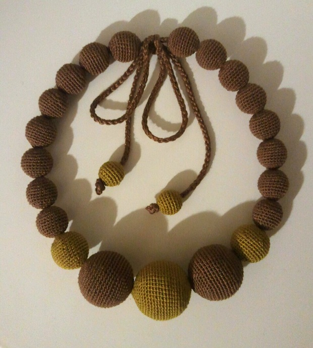 03_Olive_brown_beads_flickr_roundup