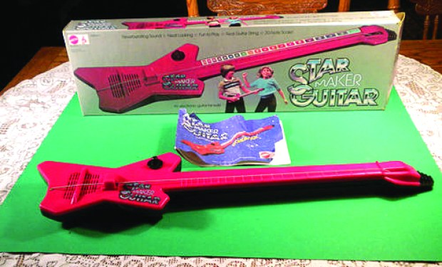 Mattel_Star_Maker_Guitar_2142470