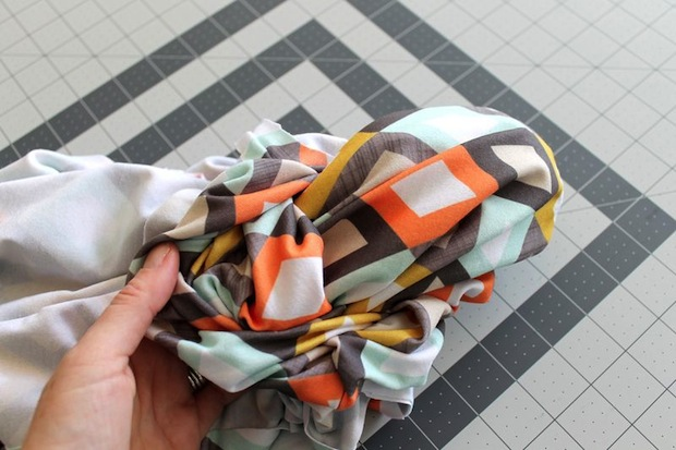 spoonflower_jersey_infinity_scarf_02
