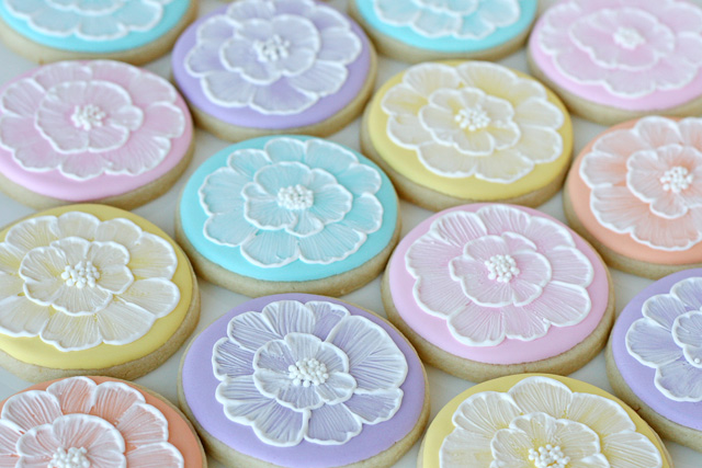 Brush-Embroidery-Cookies-1