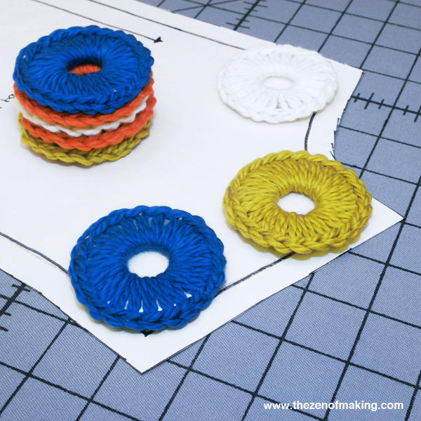 crocheted_metal_washer_pattern_weights_1
