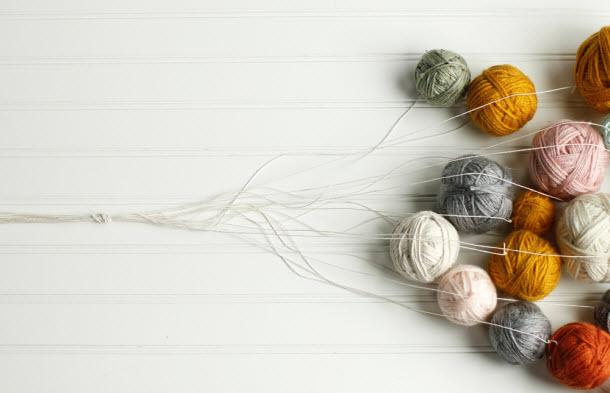 hgtv_yarn_chandelier_02