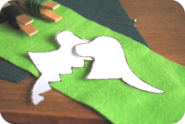 vickibrowndesigns_dragon_finger_puppets_02