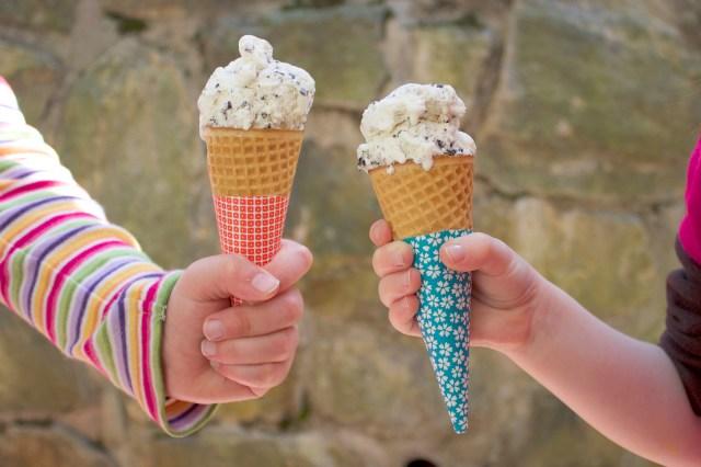 Origami-Ice-Cream-Cone-Sleeves-1