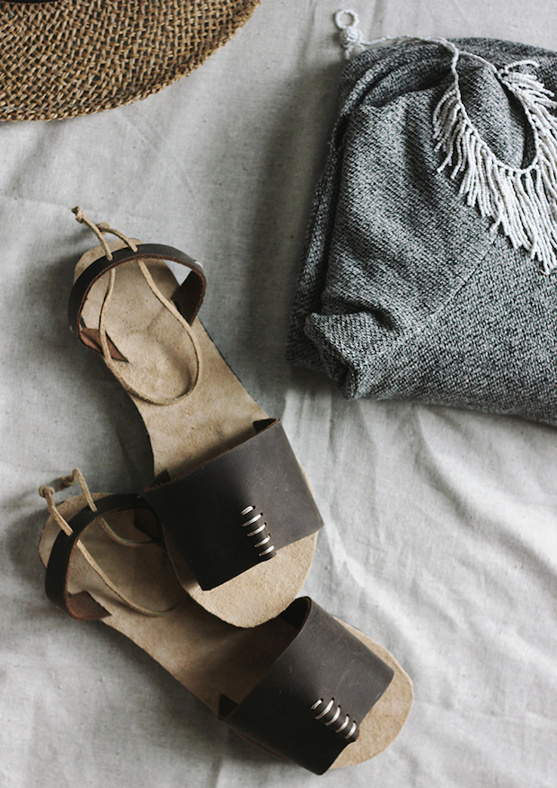 themerrythought_leather_sandals_01