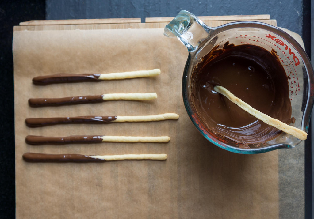 homemade-pocky-1