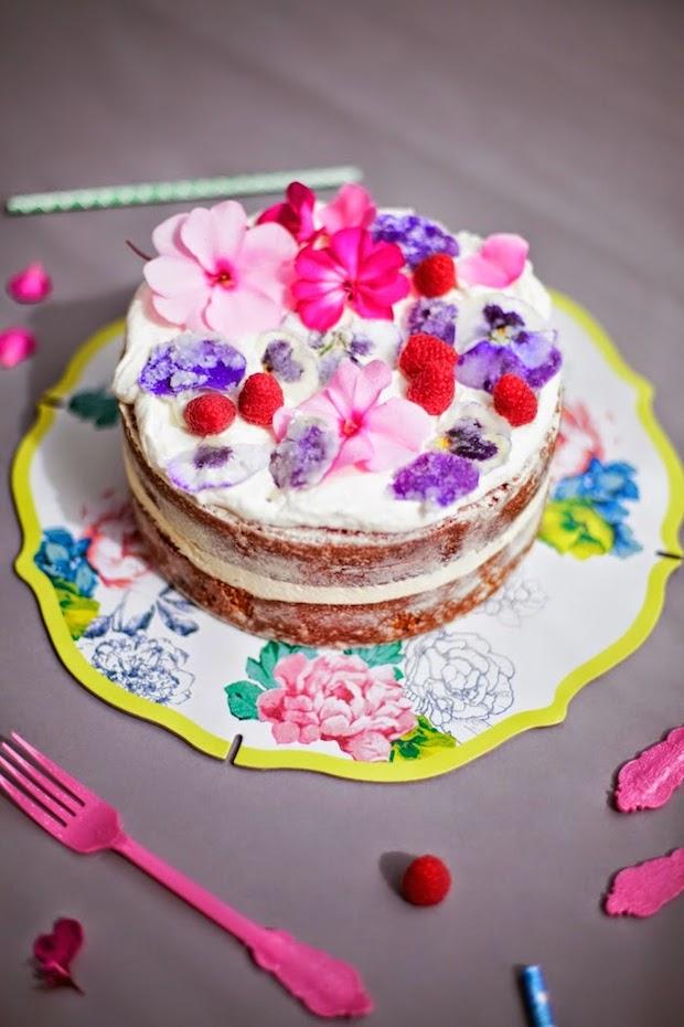 poppytalk_sugar_flower_cake_01