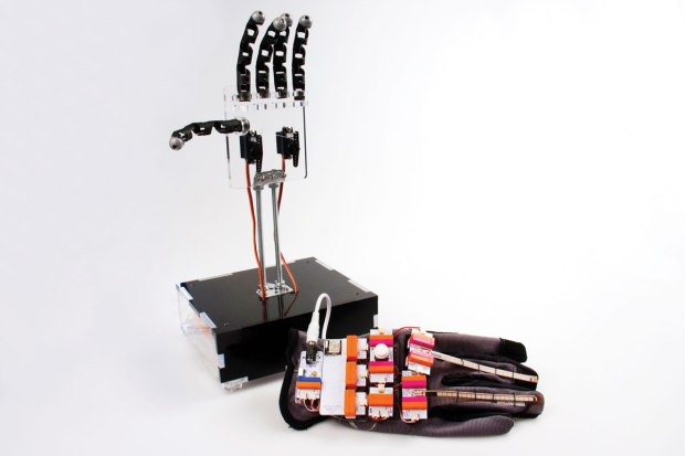 LittleBits' flexible sensors and Arduino module let this glove's wearer engage in a game of animatronic Rock-Paper-Scissors.