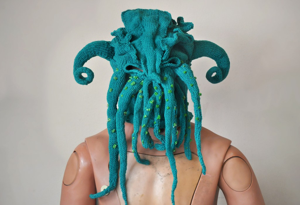 brutal-knitting-halloween-mask-1