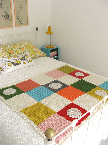 dottieangel_crocheted_squares_blanket_01