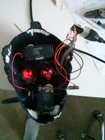 The Digispark, LEDs, battery pack and actuator fit quite nicely inside the plastic head