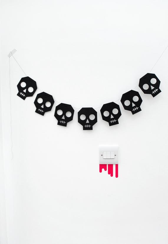 minieco_skull_bunting_01