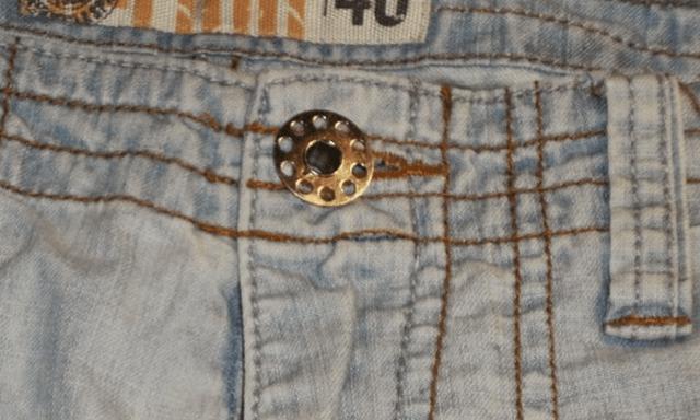 metal-bobbin-button
