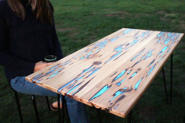 instructables_glow_table_01