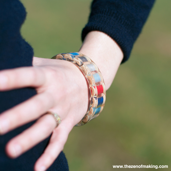 resin_thread_spool_bracelet_1