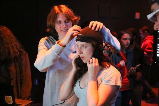 Karashchuk adjusts the cap. Photo: Anja Ulfeldt