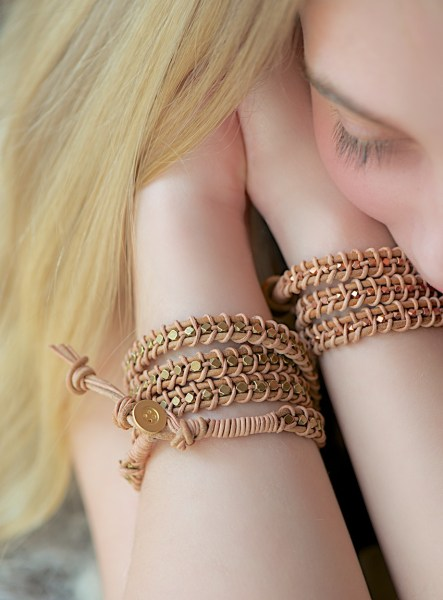bracelet14.jpg.pagespeed.ce.T9mhbpaaU3i1h3DX_F51