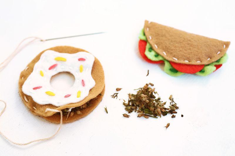 cat-toy-junk-food-2