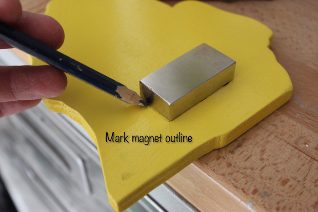 rogueengineer_magnetic_bottle_opener_02