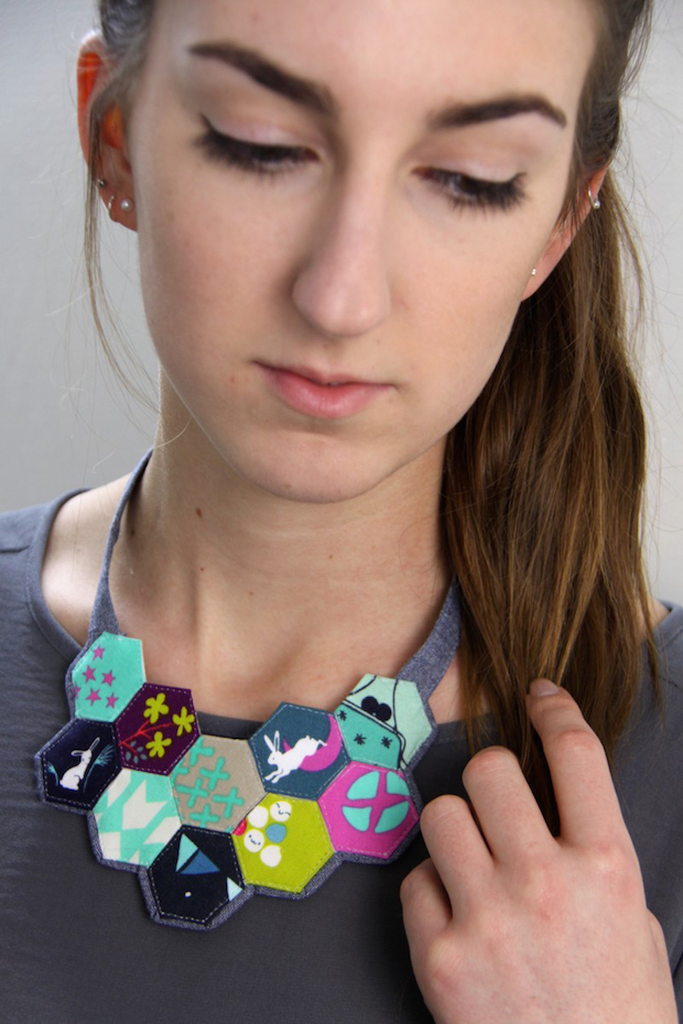 sewmamasew_paper_pieced_hexagon_necklace_01