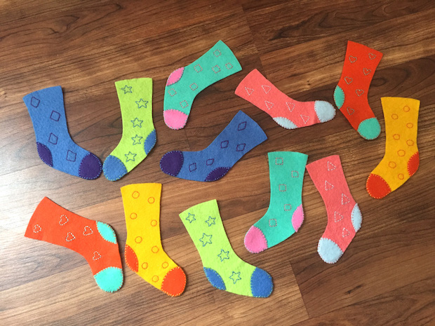 04_felt_sock_matching_game_flickr_roundup