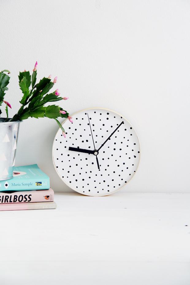 designsponge_spotted_clock_01
