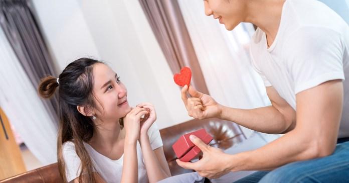 這是真愛無誤!男人真心愛妳的10種表現,另一半中了幾點? – 媽媽經|專屬於媽媽的網站