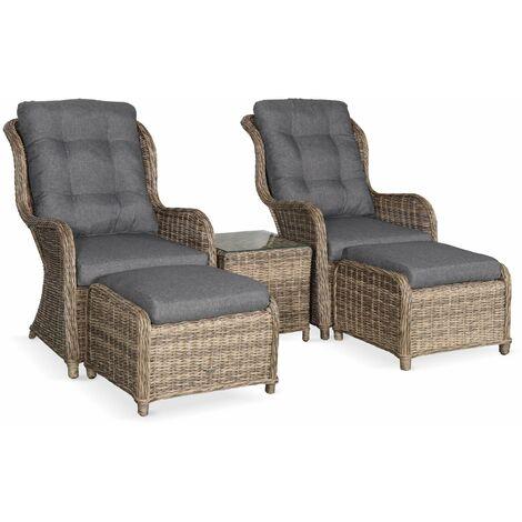 lot de 2 fauteuils relax en resine tressee arrondie avec repose pieds et table basse barletta naturel aspect rotin coussins gris anthracite