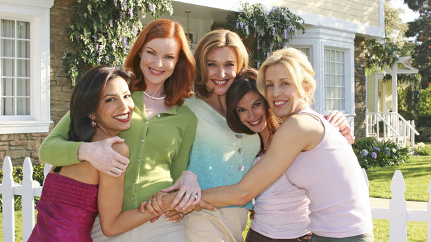 """DESPERATE HOUSEWIVES - """"One Wonderful Day"""" - It's a not-so-wonderful day in the neighborhood, as past actions come back to haunt the men and women of Wisteria Lane. Meanwhile, the ladies get a new neighbor (Emmy winner Alfre Woodard as Betty Applewhite), on """"Desperate Housewives,"""" SUNDAY, MAY 22 (9:00-10:02 p.m., ET), on the ABC Television Network. (ABC/DANNY FELD) EVA LONGORIA, MARCIA CROSS, BRENDA STRONG, TERI HATCHER, FELICITY HUFFMAN - BEHIND THE SCENES"""