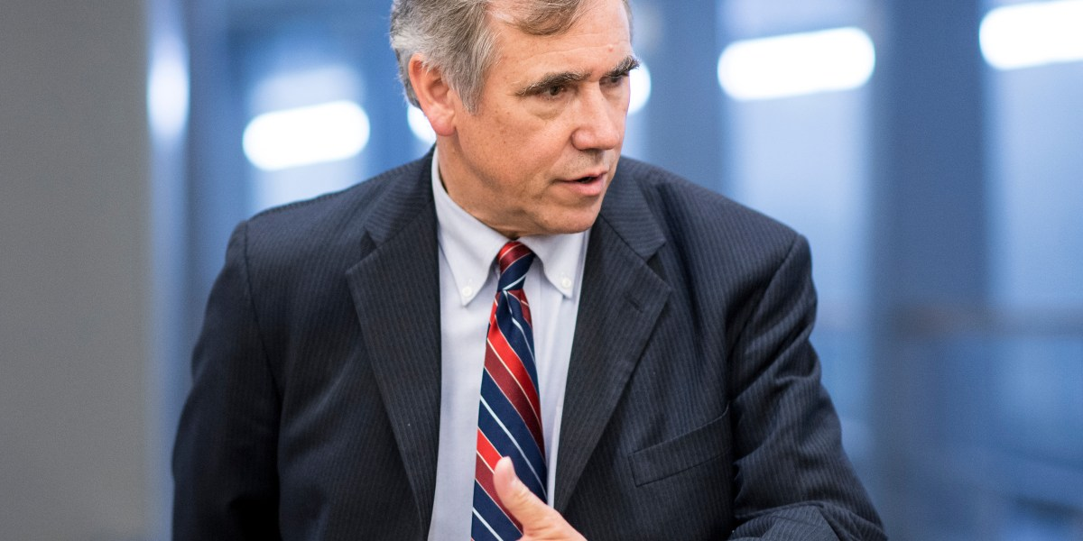 Sen. Jeff Merkley Tests 2020 Waters With New Hampshire Visit - Roll Call