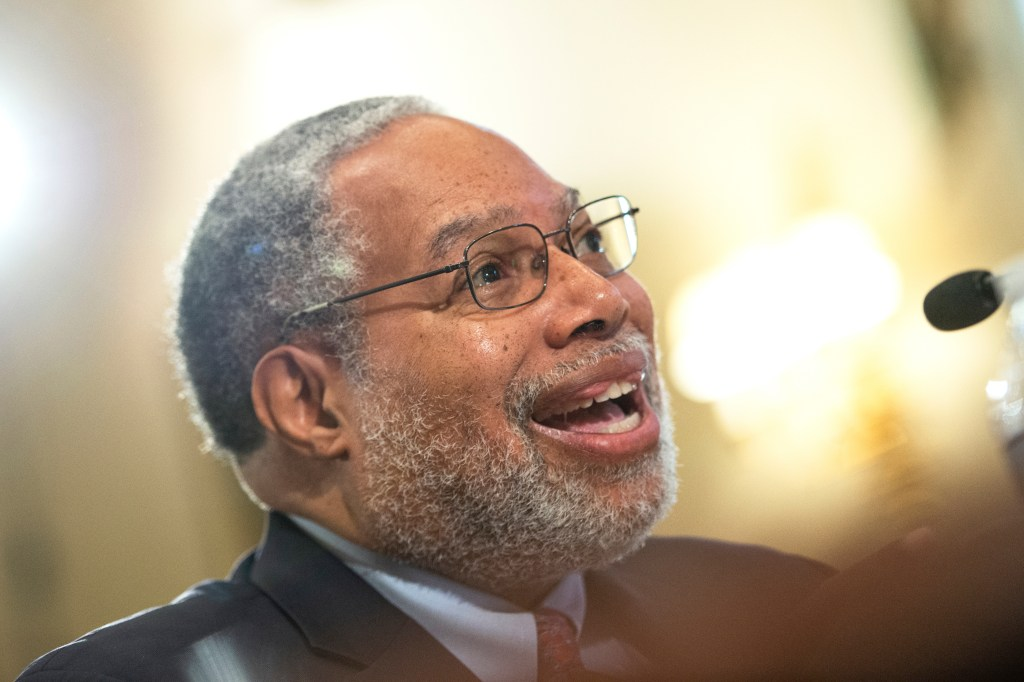 "UNITED STATES - SEPTEMBER 18: Lonnie G. Bunch III, Secretary of the Smithsonian Institution, testifies before the House Administration Committee on ""Oversight of the Smithsonian Institute"" in Washington on Wednesday September 18, 2019. (Photo by Caroline Brehman/CQ Roll Call)"