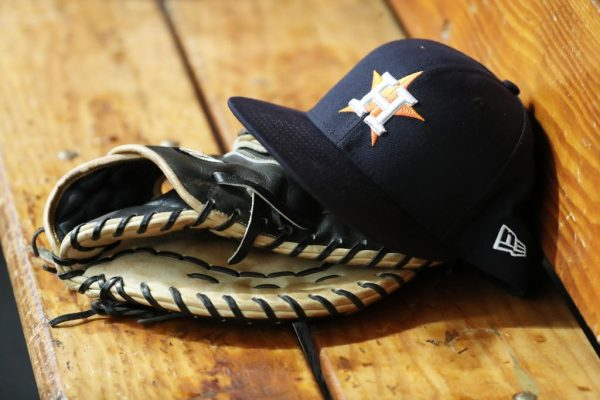 """Astros AGM Brandon Taubman Reportedly Shouted """"Thank God We Got Osuna"""" At Female Reporters"""