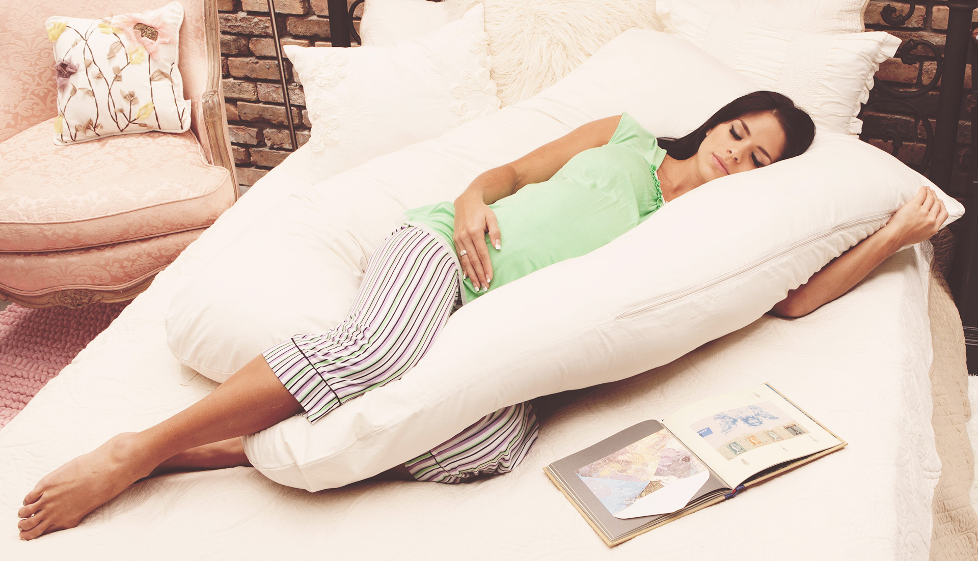 13 Best Pillows For A Great Sleep The Uk Expert Ers Guide