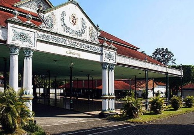 Keraton Yogyakarta (www.indonesia-tourism.com)