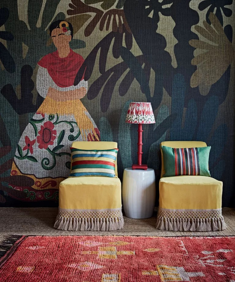 Living room wall ideas with mural