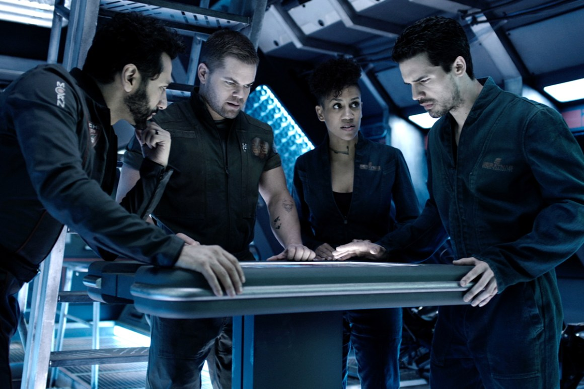 From left to right: Alex Kamal (Cas Anvar), Amos Burton (Wes Chatham), Naomi Nagata (Dominique Tipper) and Jim Holden (Steven Strait)