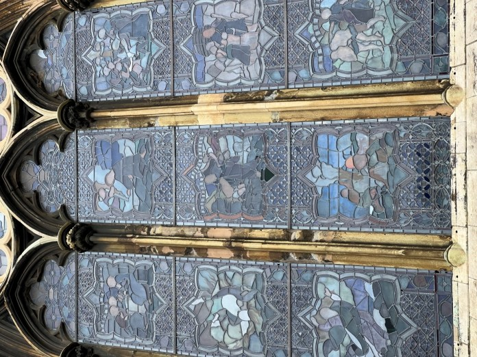 Lincoln Cathedral Window on Pro 13