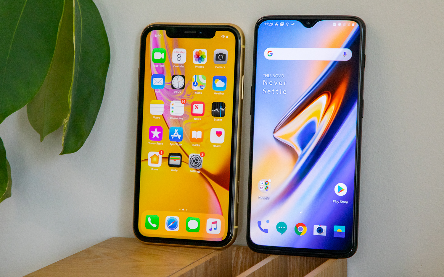 Oneplus 6t Vs Iphone Xr Which Affordable Flagship Wins