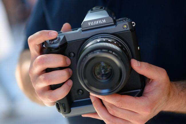 مراجعة للكاميرا العملاقة Fujifilm GFX 100 هذا ما تحتاجه للتصوير الإحترافي 1
