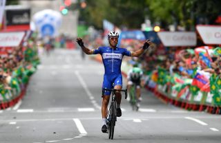 Philippe Gilbert takes the first of two stage wins at the Vuelta a España