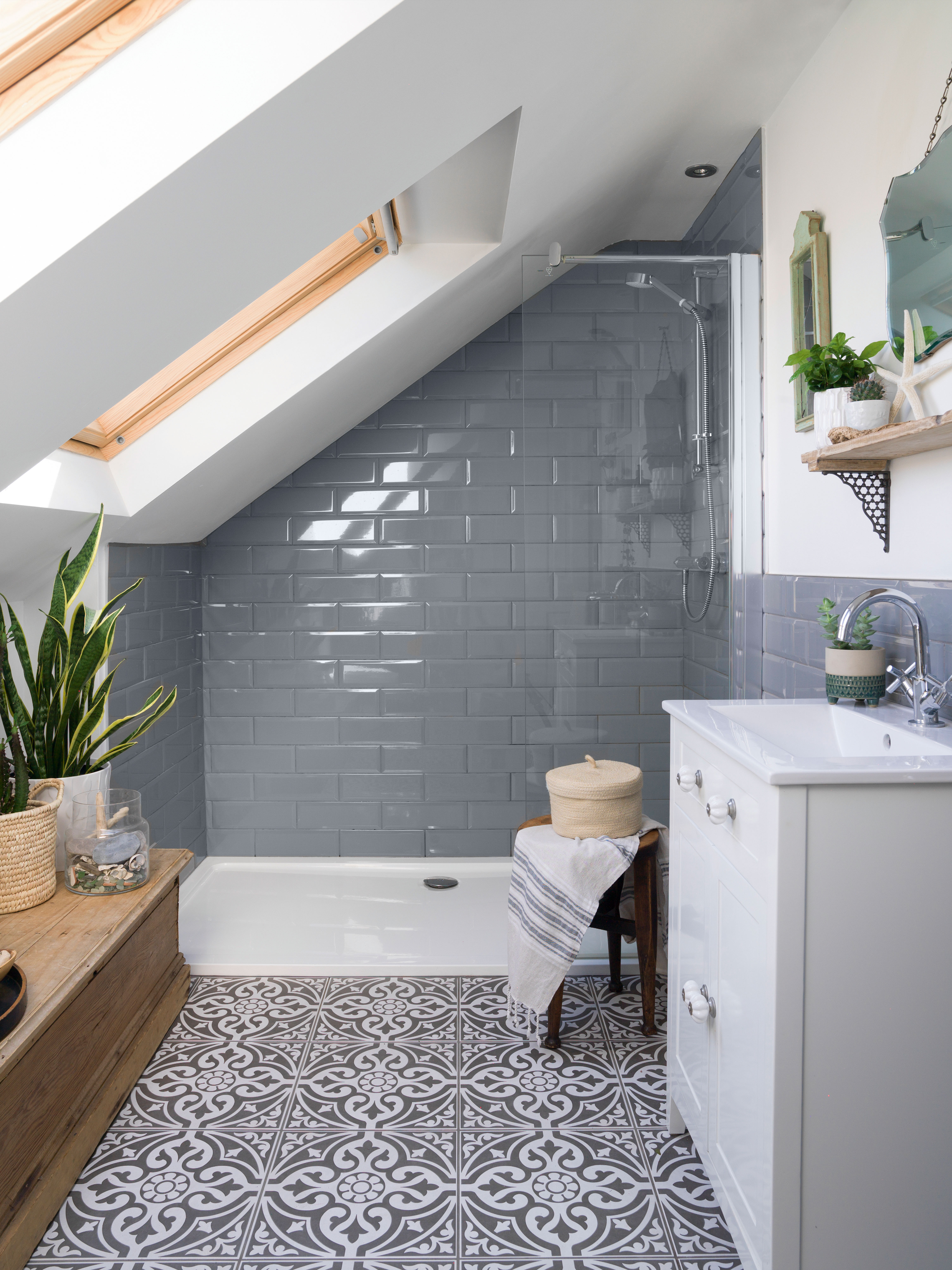15 small bathroom tile ideas stylish ways to make your space feel bigger real homes