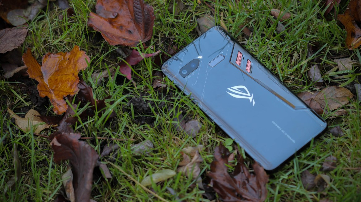 Asus to announce ROG Phone 2 by Q3 2019: Report 1