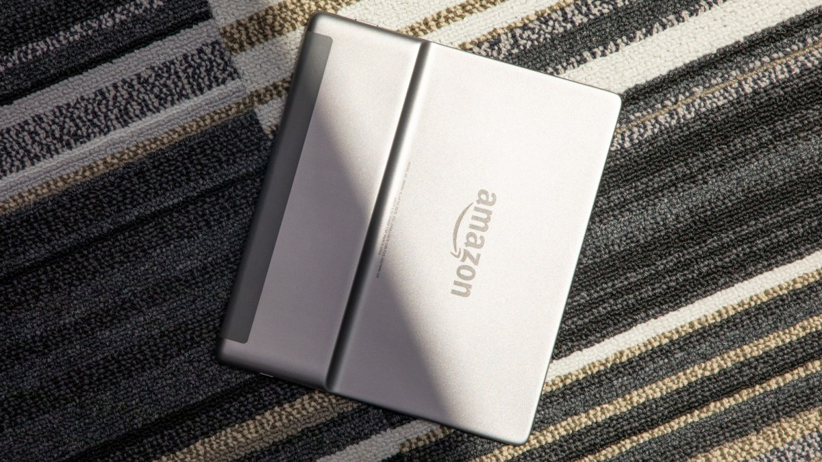 Kindle Oasis 2019 review: rear angle