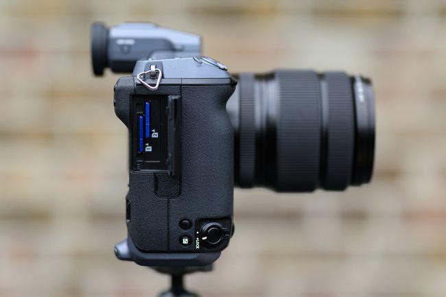 مراجعة للكاميرا العملاقة Fujifilm GFX 100 هذا ما تحتاجه للتصوير الإحترافي 7
