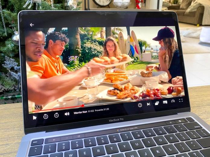 Samsung Galaxy Book Pro vs. MacBook Pro: MacBook Pro with M1