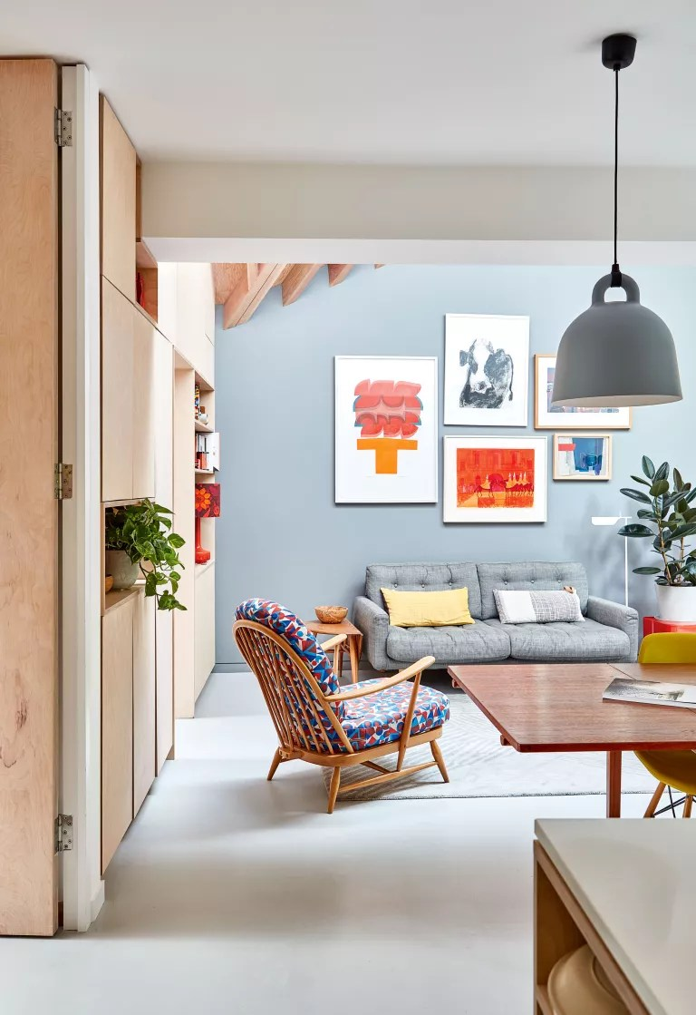Hilary Satchwell and Richard Robinson used an awkward side return to create a bright, multifunctional kitchen-diner in their 1960s end of terrace in Forest Hill, London