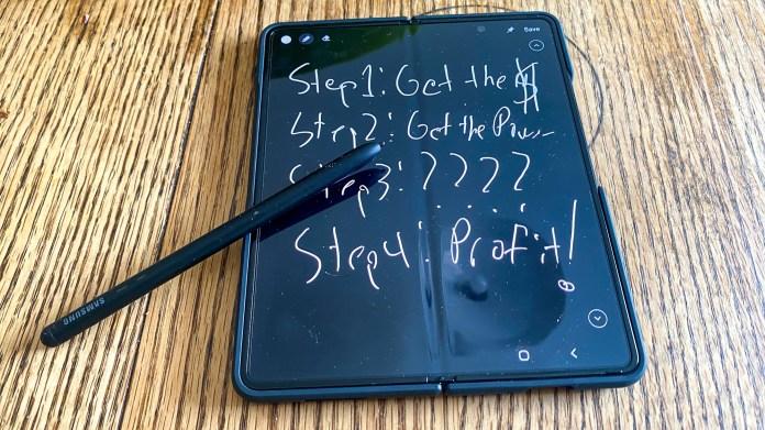 Galaxy Z Fold 3 et stylet S
