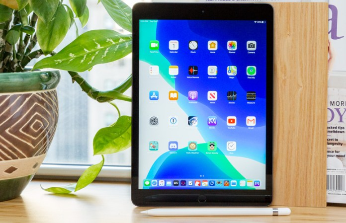 surface go 2 vs ipad - iPad