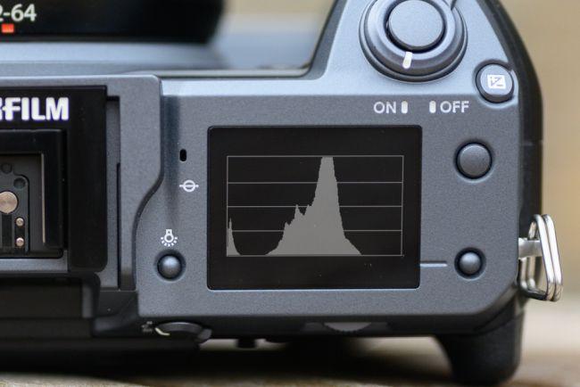 مراجعة للكاميرا العملاقة Fujifilm GFX 100 هذا ما تحتاجه للتصوير الإحترافي 10