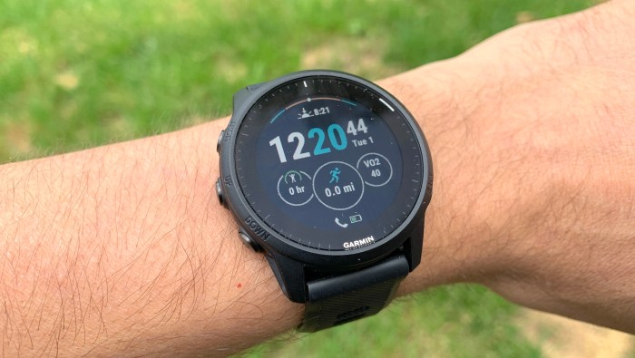 Garmin Forerunner 945 LTE review (hands on): A perfect running watch for an  imperfect world | Tom's Guide